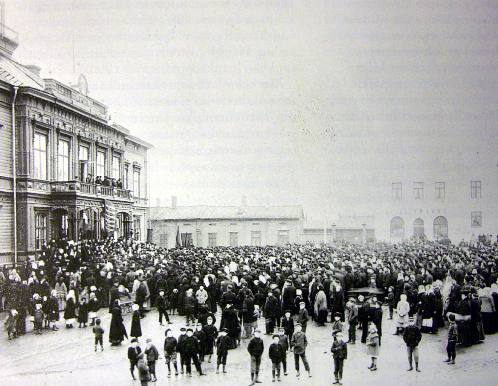Demonstrators in Jakobstad