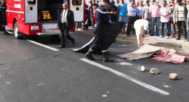 بعدما توصلت برقمها… عناصر الأمن بأكادير تحجز السيارة التي صدمت تلميذة أمام ثانوية ابن ماجة، وتعتقل صاحبها بعدما لاذ بالفرار.