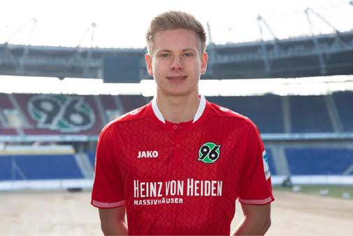 4 Hannover Striker, Niklas Feierabend dies in a car accident