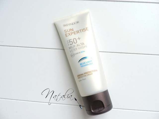 Crema-protectora-blue-light-tecnology-SPF-50+-Skeyndor