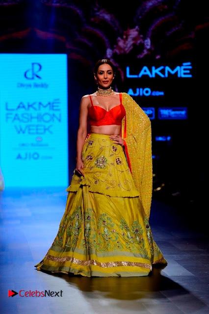 Bollywood Actress Malaika Arora Khan Walks on Ramp at LFW Summer 2017  0006.jpg
