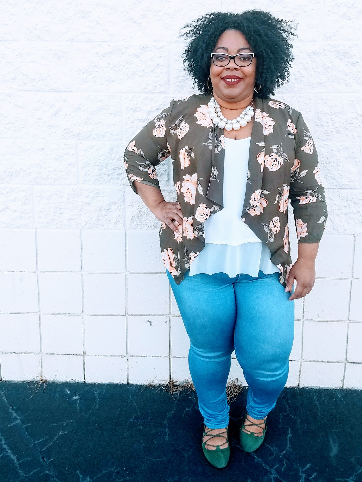Kishina, plus size blogger, wearing floral waterfall blazer, denim jeggings, white tank, olive flats, natural hair, wine lipstick
