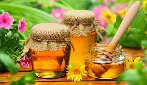 Làm trắng da mặt bằng mật ong
