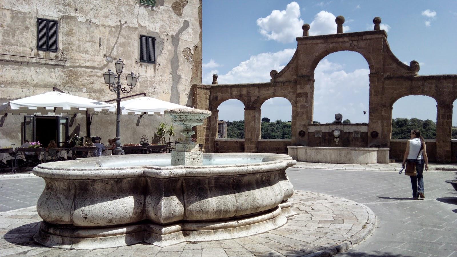 Pitigliano Praca Republica - Pitigliano, cultura e vinho na Toscana da Maremma!