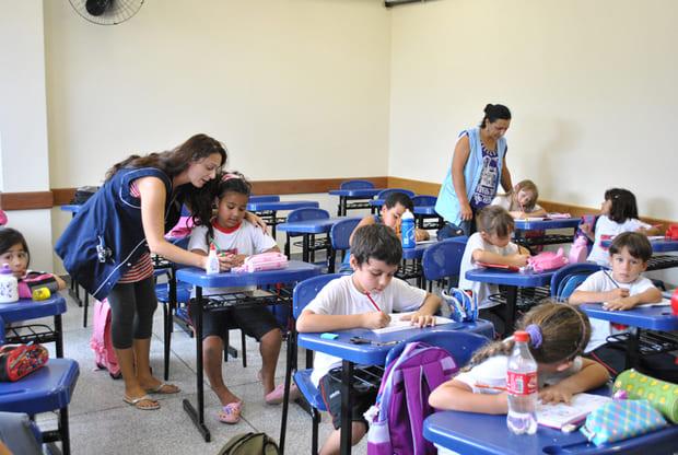 Segundo professor em sala de aula agora é lei em toda rede estadual de ensino