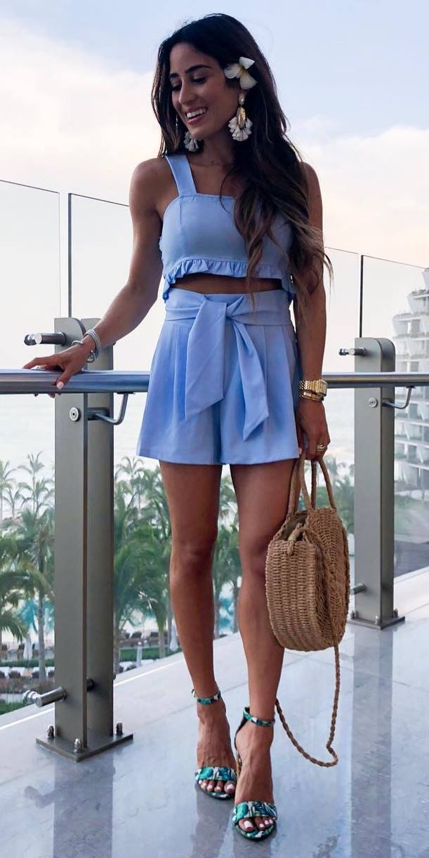 pretty cute summer outfit / blue set + bag + heels