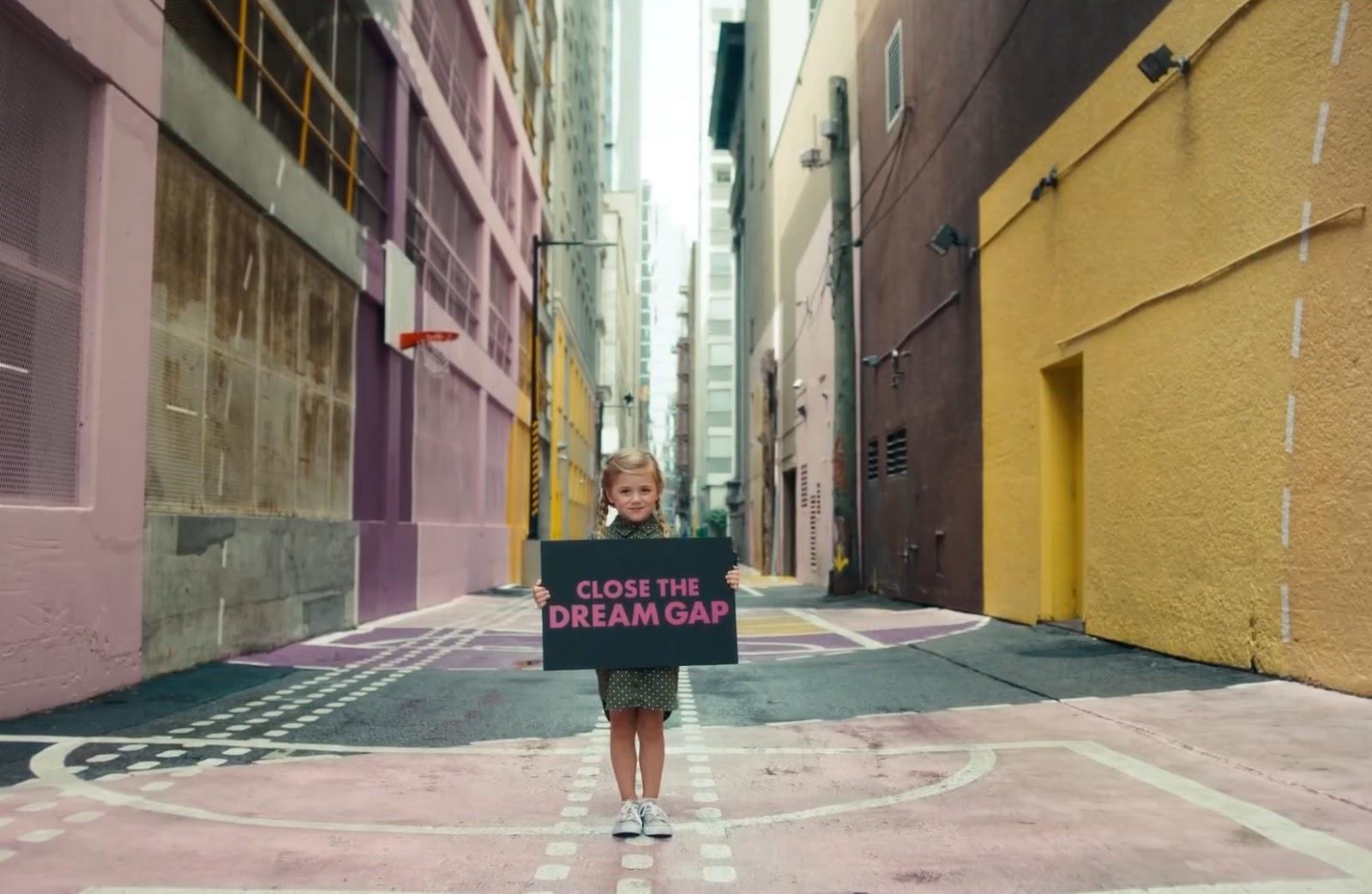 print screen kampanii Barbie Mattel - Close the Dream Gap