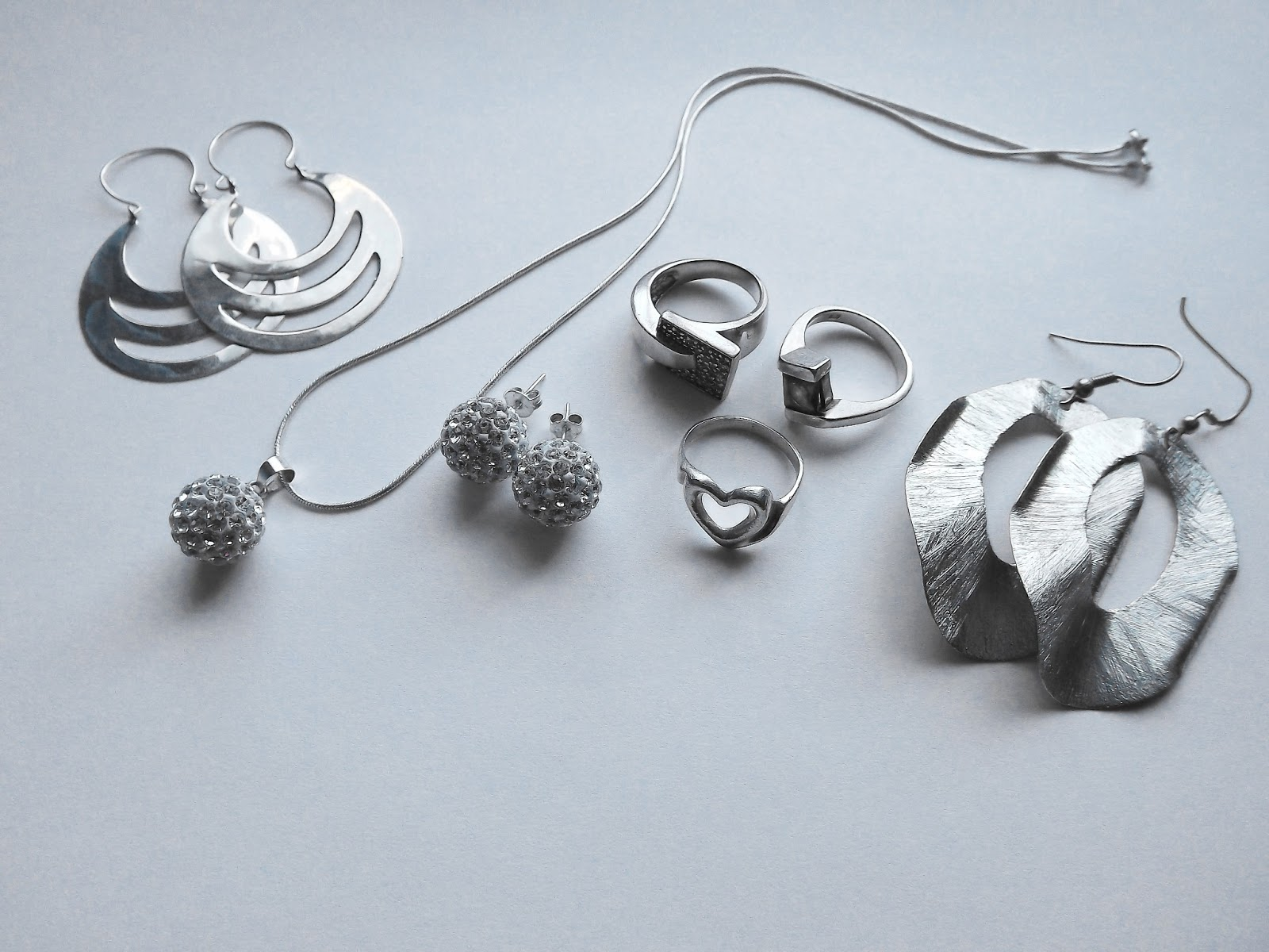 8b318b181585 Cómo saber si son joyas de plata - Rojo Anaranjado - By  Daniela ...