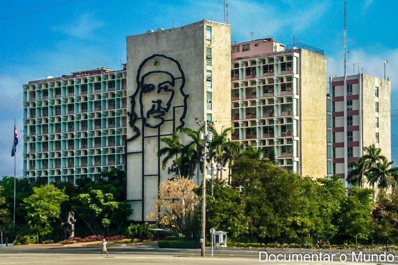 Plaza de la Revolución; ; Che Guevara; estátua a José Martí