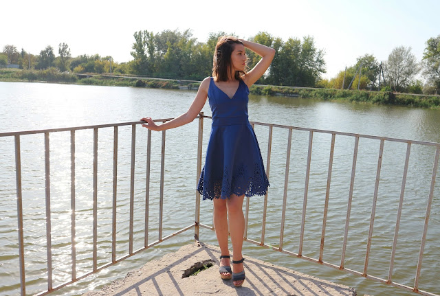Zaful Hollow Out Strappy Flare Dress