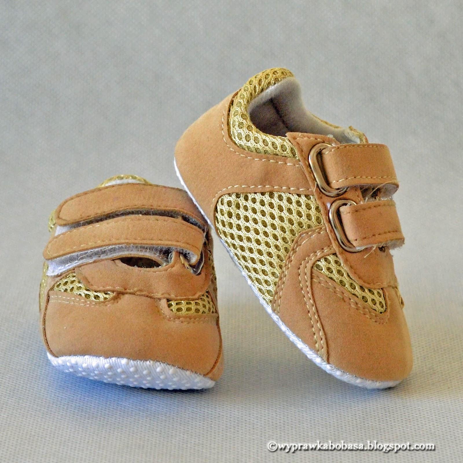 0a018b44c5c7d No bo do czego służą buty? Do chodzenia! A skoro maluch jeszcze nie chodzi,  to butów nie potrzebuje :)