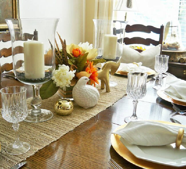 You can see we are using the same runner and the same gold chargers for this setting. This is a glammed up version of a casual centerpiece by adding tons of ... & A Stroll Thru Life: Basic Must-Haveu0027s For Setting A Pretty Table