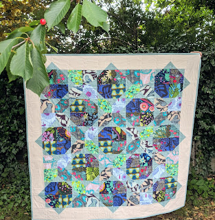 four patch flip Anna Maria Horner sweet dreams fabric quilt