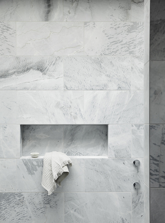Incroyable White Marble Showers | Fiona Lynch