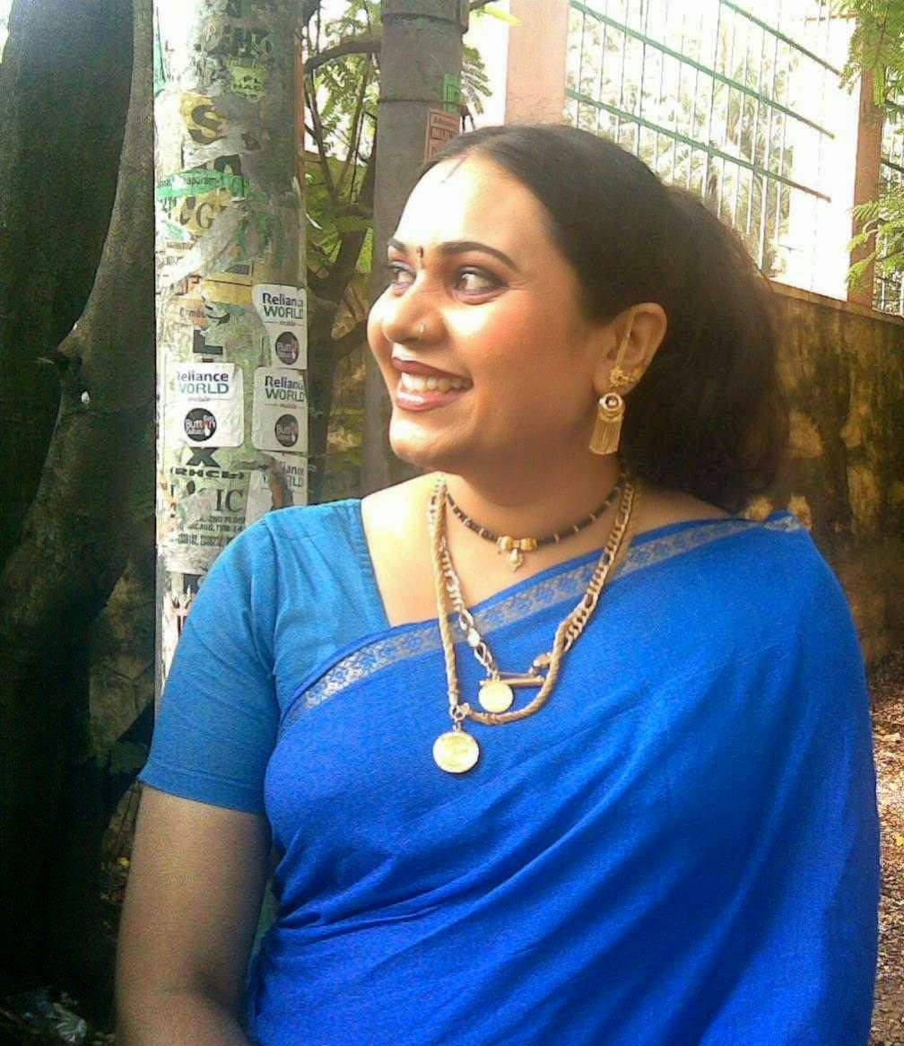 Malayalam TV Serial Actress Hot Navel Show Photos