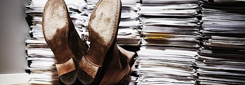 Нове керівництво МОУ в шоці від кількості паперів в армії – завдання все скасувати