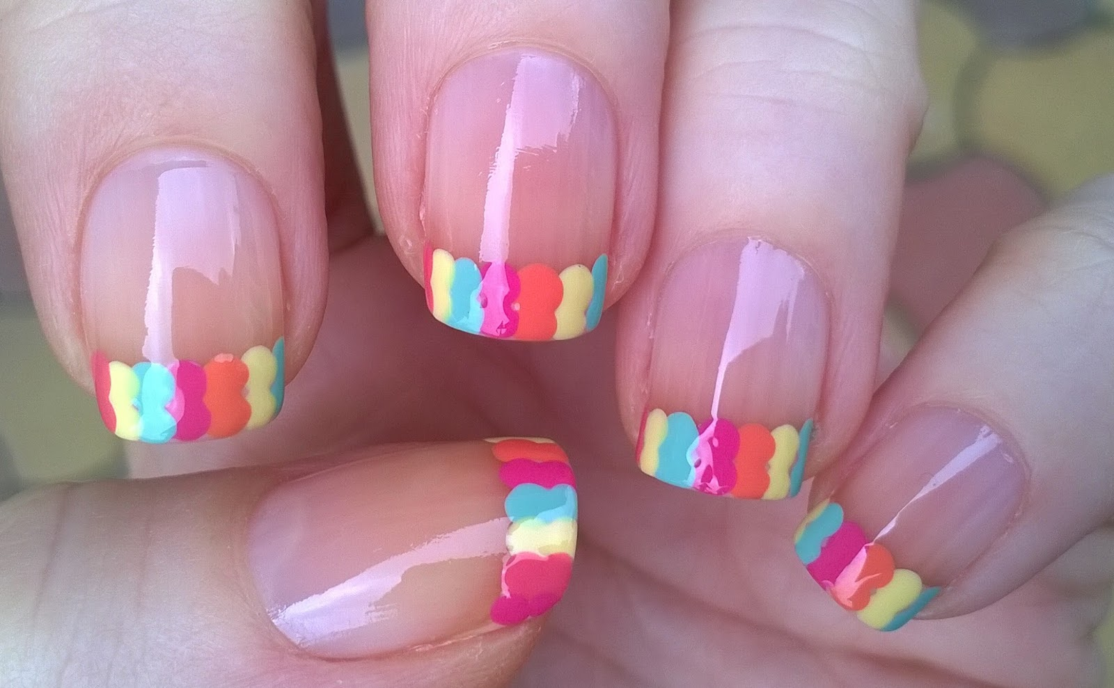 Life World Women: Colorful Dot French Tip Nails