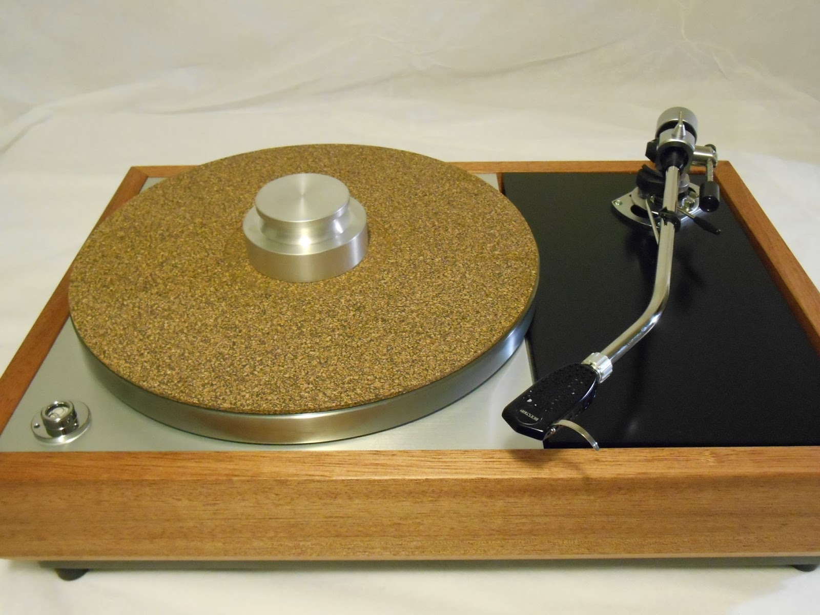 The Vinyl Anachronist: Latest Vintage Turntables Available