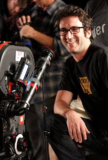 Josh Schwartz. Director of Gossip Girl - Season 6