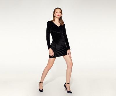 Vestido negro corto sfera