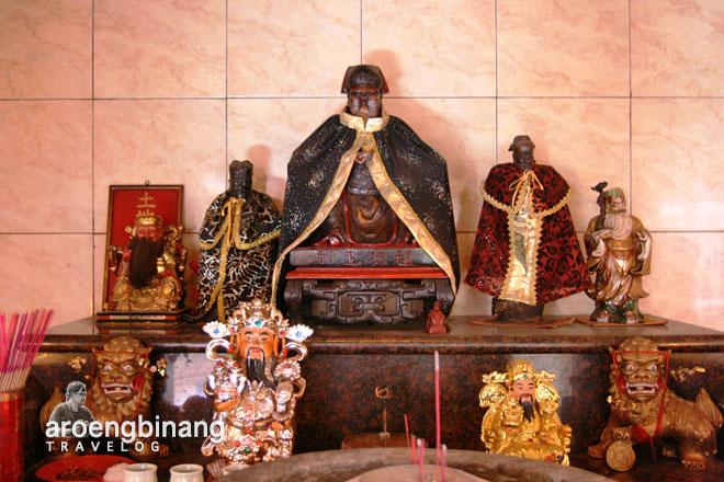 altar vihara avalokitesvara serang banten