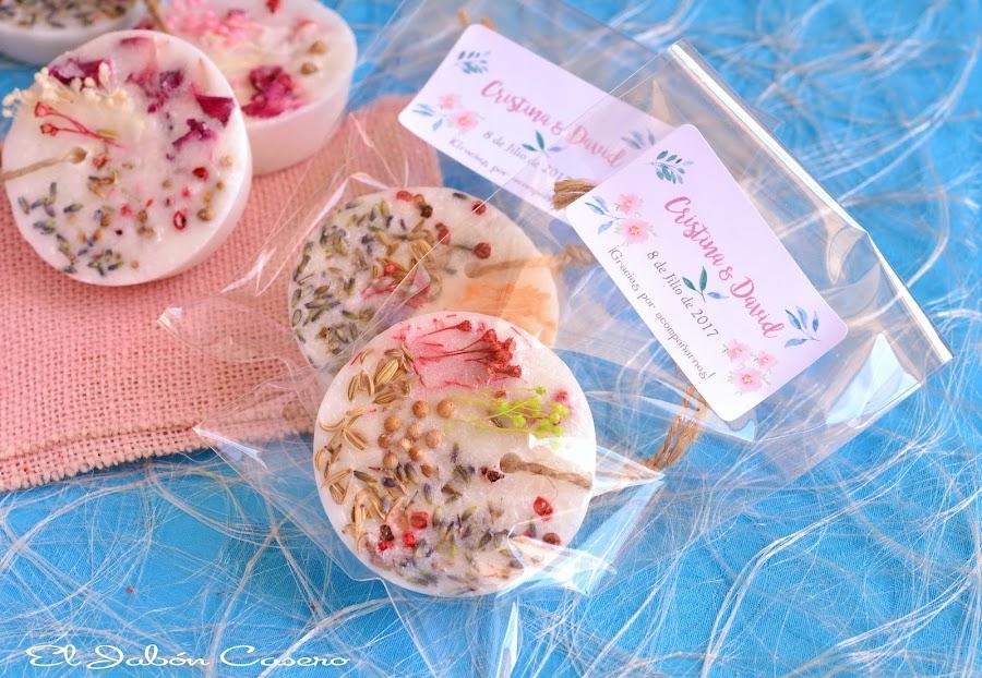Detalles personalizados de boda barritas aromaticas florales