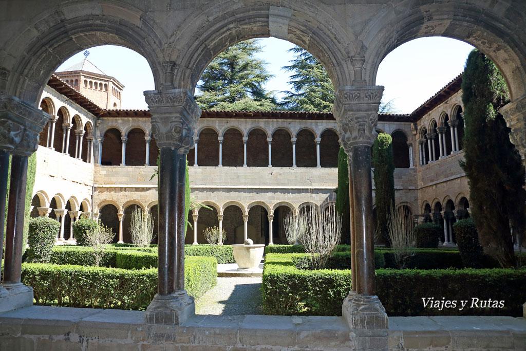 Claustro del Monasterio de Santa María de Ripoll