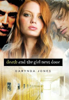 http://lachroniquedespassions.blogspot.fr/2014/05/darklight-tome-1-death-and-girl-next.html