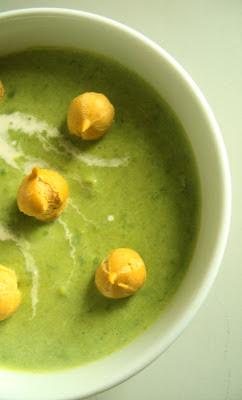 Groszkowa zupa zielona