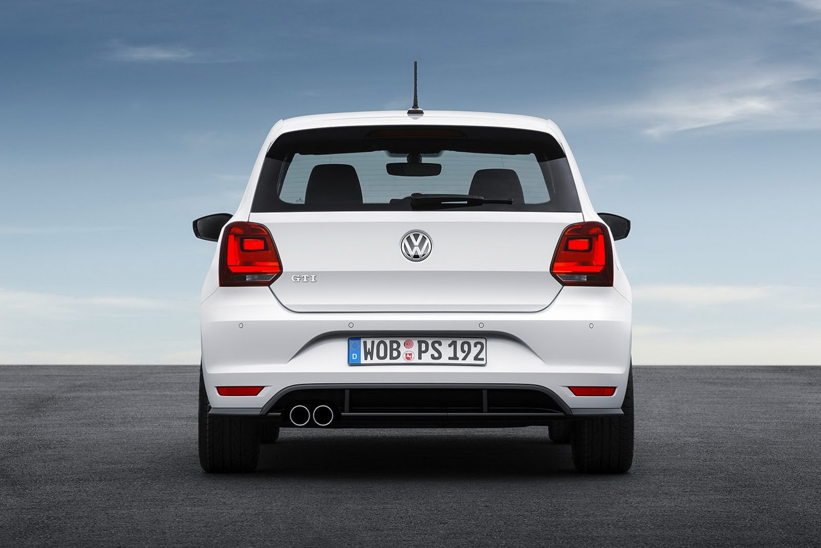 2015 vw polo gti facelift gets new 190ps 1 8l turbo and manual gearbox carscoops. Black Bedroom Furniture Sets. Home Design Ideas