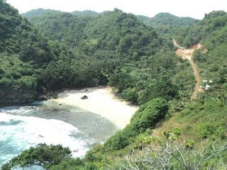 pantai ngitun gunung kidul