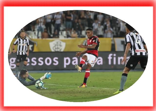 Berrío pode desfalcar o Flamengo no jogo de volta contra o Botafogo.