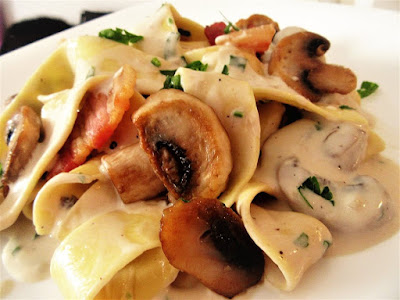 Rezanci s vrhnjem i gljivama / Noodles with cream and mushrooms