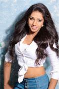 natasha yadav sizzling photos-thumbnail-2