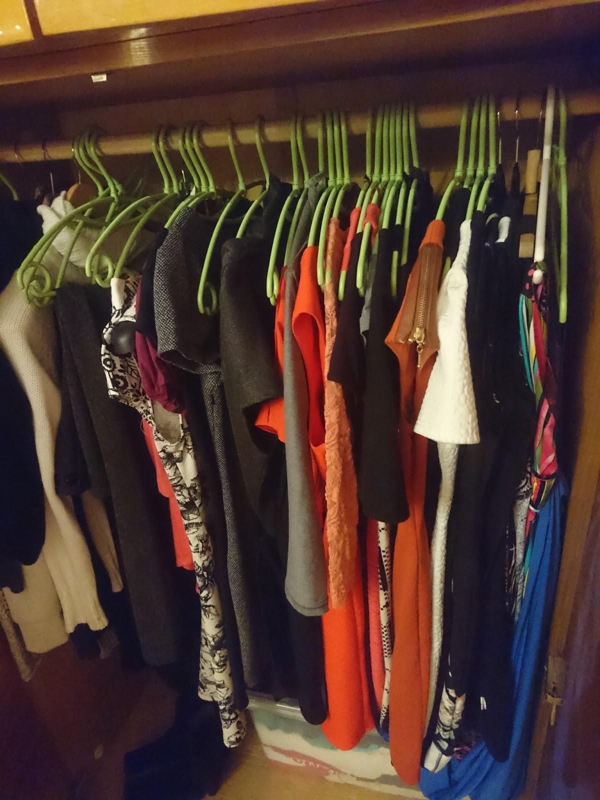1d7ada6ec76 Lugesin kleidid üle. Kapis on 34 kleiti, ilmselt on mõned veel kuskil, mis