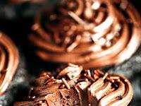 PALEO COCONUT FLOUR CHOCOLATE CUPCAKES