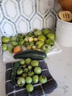Green tomato rice dish