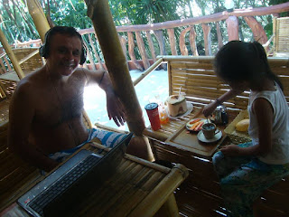 Picture of Rafael Martinez-Minuesa working remotely from Nai Thon