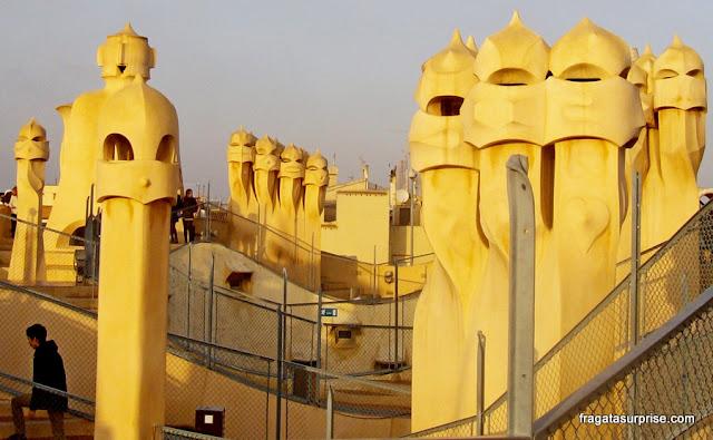 Terraço de la Pedrera, obra de Gaudi em Barcelona, com as famosas chaminés