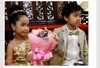 Six year old twins get married because thier patents believes they we're lovers in the past world.