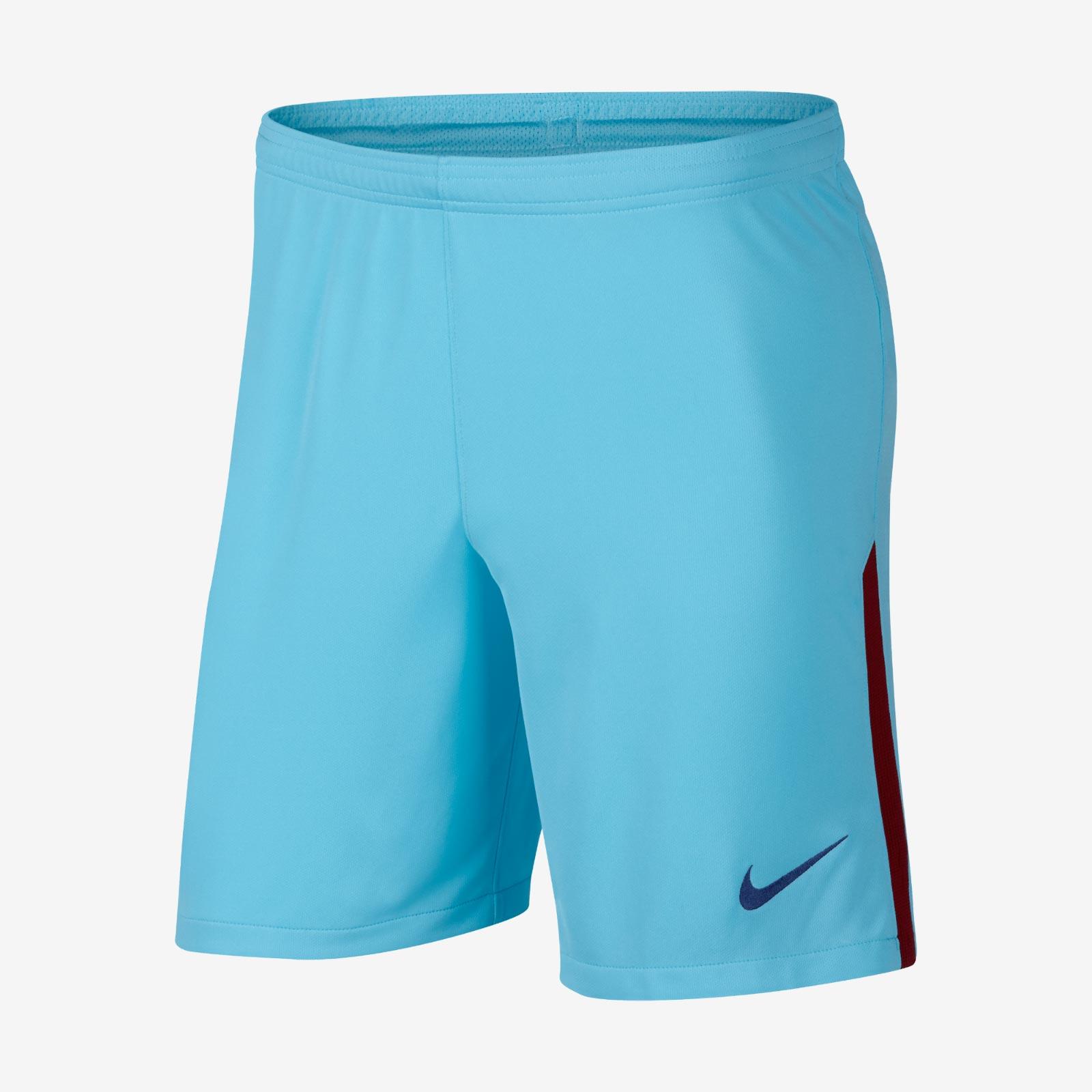 Le short et les chaussettes de la tenue ext rieur du fc for Barcelone maillot exterieur