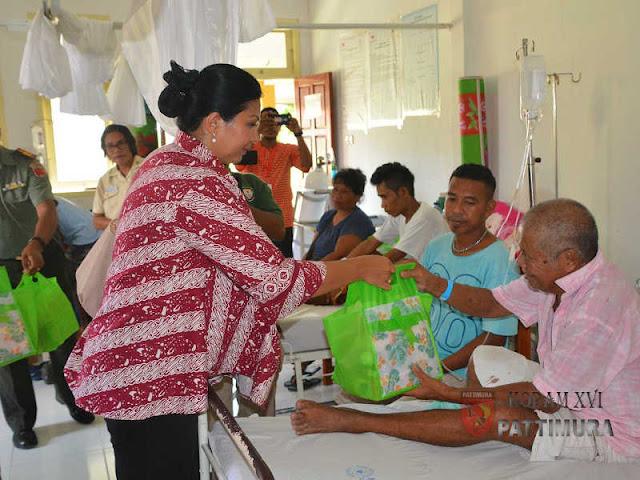 Kodam Pattimura Kunjungan Kasih ke Warga di Rumah Sakit dan Anak Jalanan di Mardika