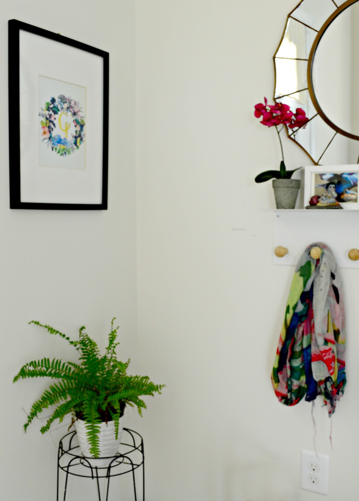 Design Journal Entryway - functional,airy and budget friendly