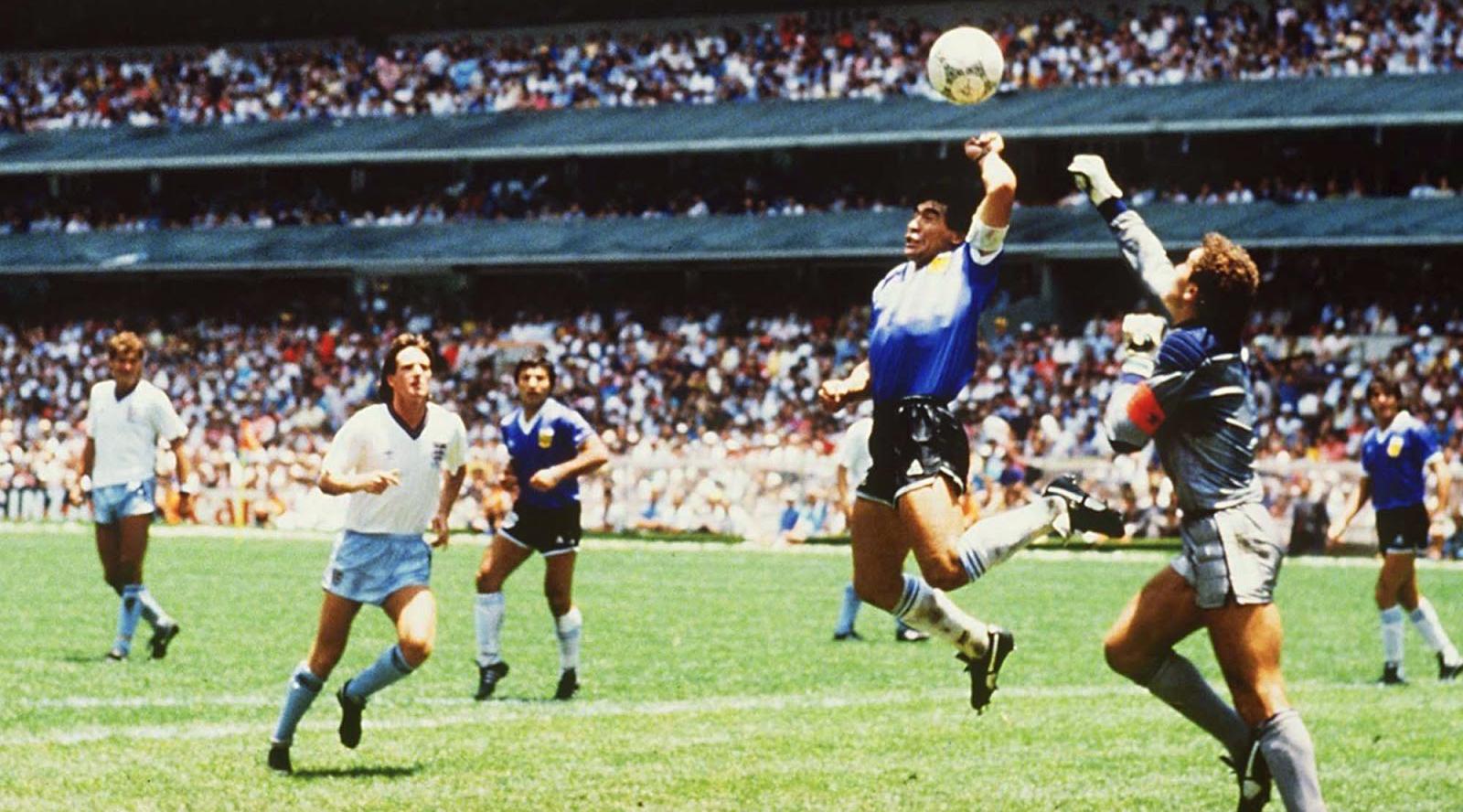 gol tangan tuhan Maradona melawan Inggris HAndsball