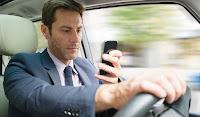 Αφαίρεση άδειας σε όσους μιλούν στο κινητό ή πετούν έξω τσιγάρα, στον νέο ΚΟΚ