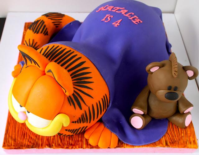 Bear Pooky Birthday Cake