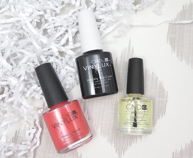 CND Vinylux Weekly Polish in Desert Poppy, Weekly Top Coat and SolarOil Nail & Cuticle Conditioner Review