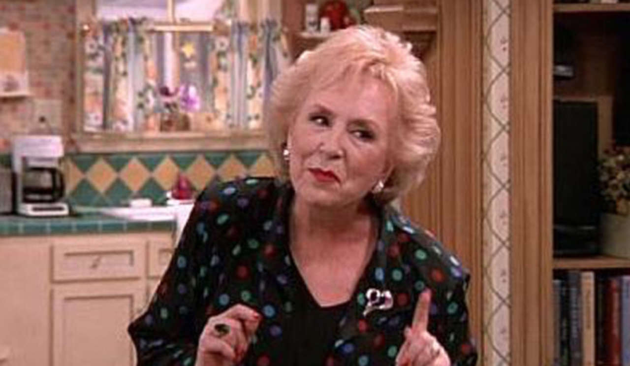Marie Barone en una escena de Everybody Loves Raymond