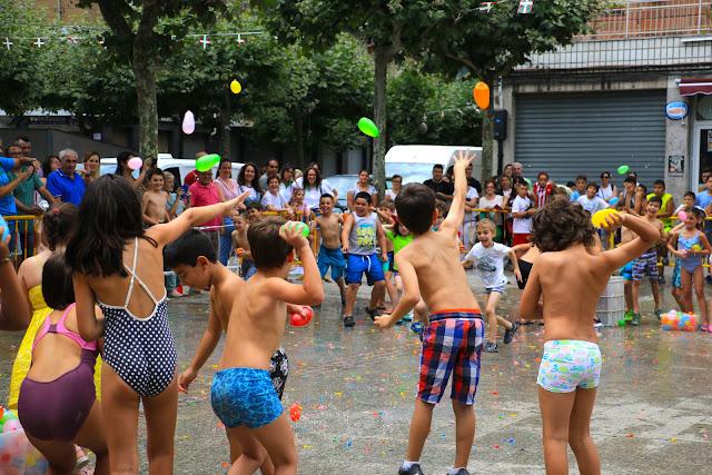 Guerra de agua en las fiestas de Retuerto
