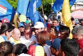 juan-pablo-guanipa-con-la-unidad-en-Villa-del-rosario-fotos